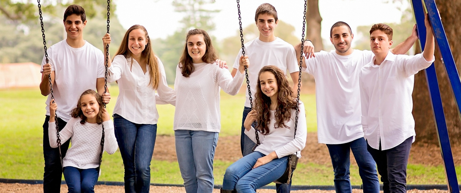 group children photography on swing